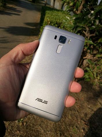 ZenFone 3 Laser(ZC551KL)レビュー