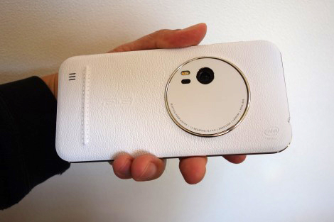 ZenFone Zoomレビュー:ファーストインプレッション