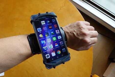 サンワサプライ スマートフォンリストバンド(PDA-ARM6BK) 回転