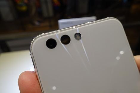 ZenFone 4(ZE554KL) ダブルレンズ